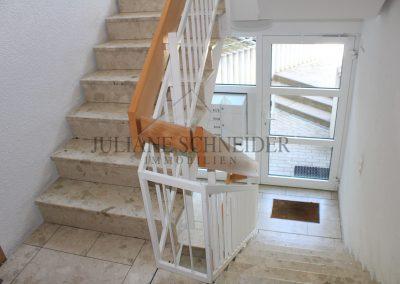 Hauseingang - Treppenhaus
