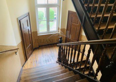 Treppenhaus - Abstellkammern auf halber Treppe
